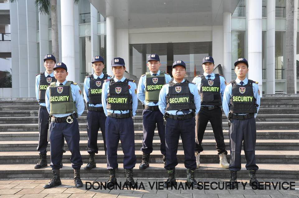 Tại Đại sứ quán, Trụ sở các tổ chức quốc tế và văn phòng đại diện nước ngoài tại Việt Nam.